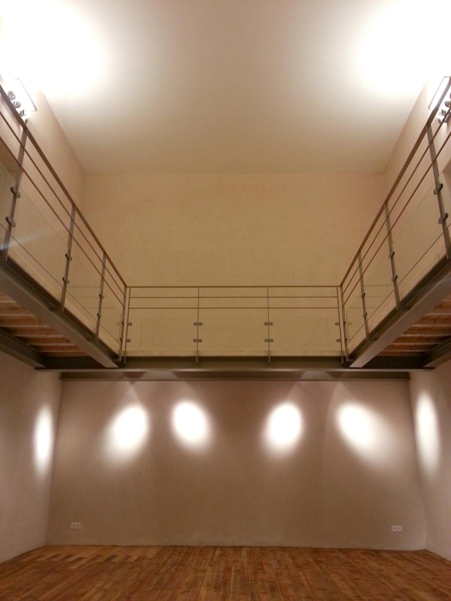 studio by night reconversion du temple venterol. Black Bedroom Furniture Sets. Home Design Ideas