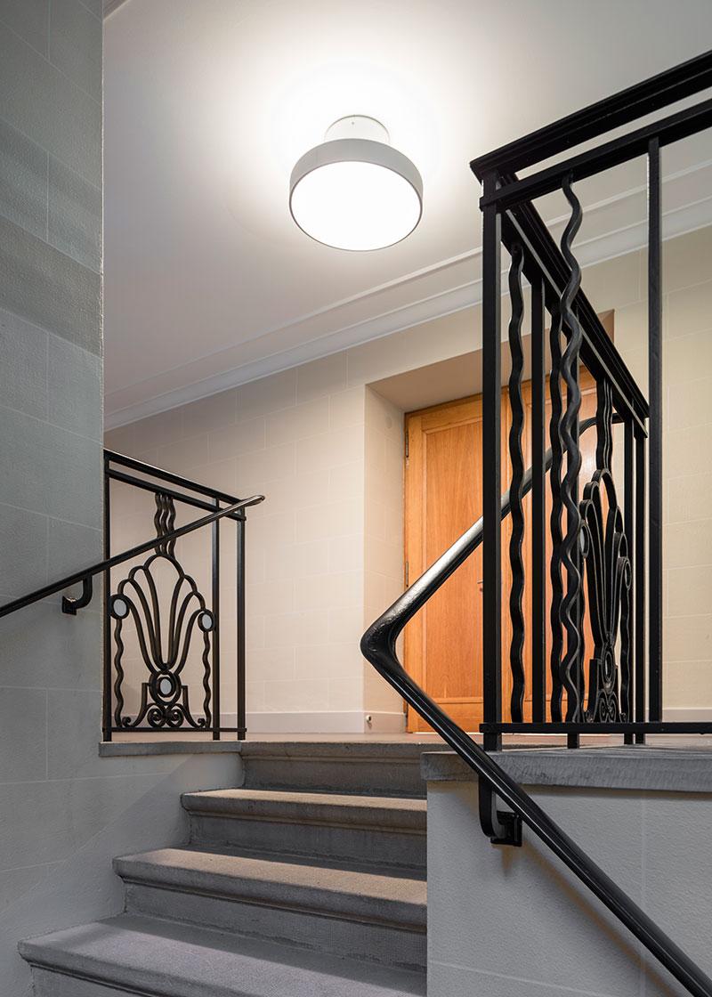 studio by night r novation d une salle de culte gen ve. Black Bedroom Furniture Sets. Home Design Ideas